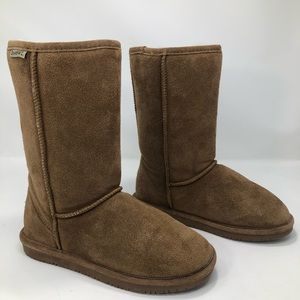 BearPaw Short Chestnut Suede Sheepskin Boots